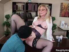 An Attractive Boxomy, An Experienced Lady Nina Hartley In Stockings